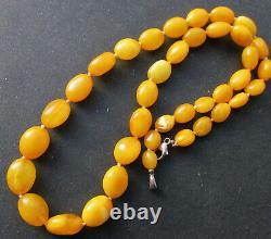 Antique Natural Butterscotch Egg Yolk Baltic Amber Beads Necklace 19.8g