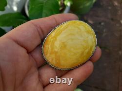 Große Brosche in Silber gefasst amber natural yellow white