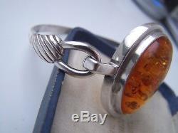 Magnificent Vintage Solid Sterling Silver Baltic Honey Amber Bangle Bracelet 8