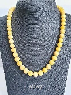 Vintage Baltic Amber Natural Round Bead Necklace Elegant Egg Yolk Color 26 g