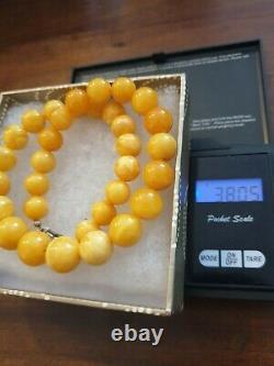 Vintage Egg Yolk Butterscotch Genuine Amber Bead Necklace 38 grmes