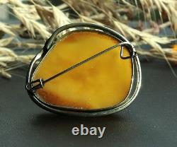 Vintage Natural Egg Yolk Baltic Amber Brooch Pin 10.1 grams Chicken Fat Yellow